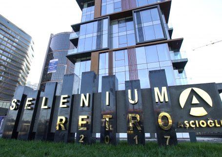 Selenium Retro 9